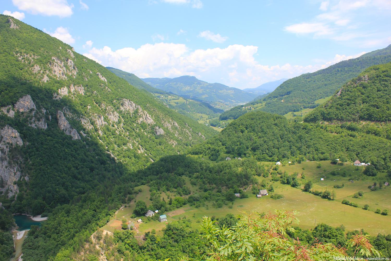 Домики в горах Черногории